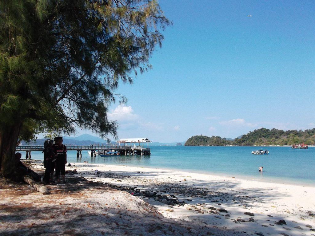 beach-1650890_1280