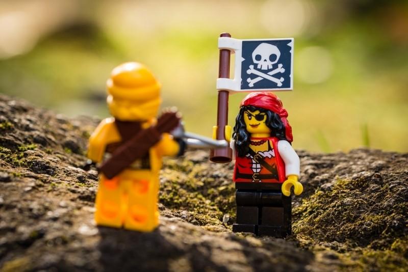 ninja-vs-pirate