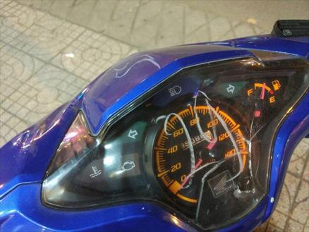 ベトナムでは駐車管理のためにバイクにチョークで数字を書かれるが、これで怒るのは筋違い!?