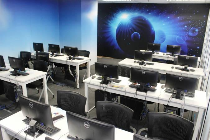 aegisマレーシアの働いている部屋
