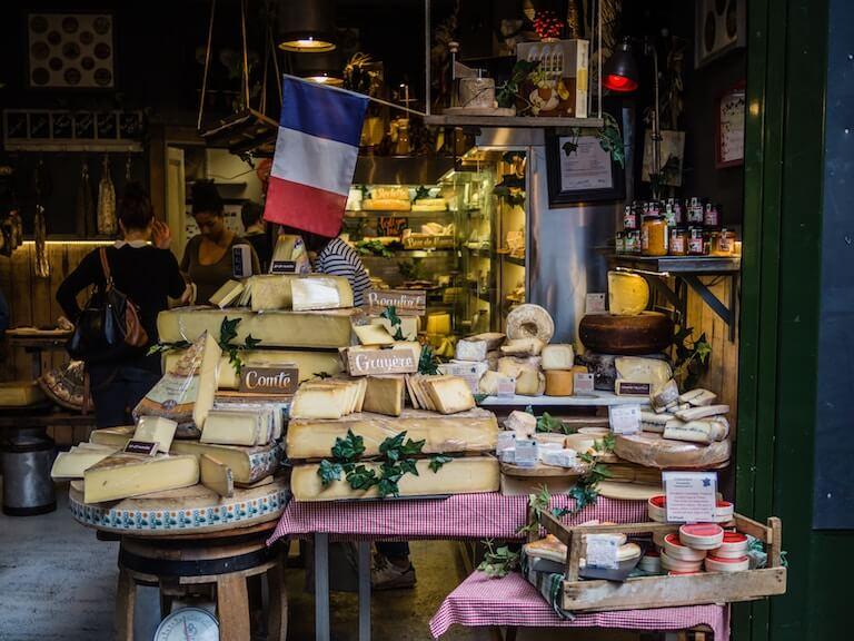 フランス 市場 チーズ