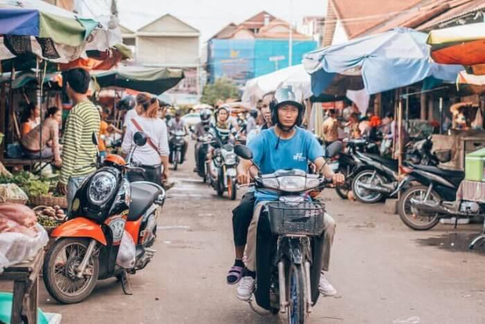 カンボジア バイク