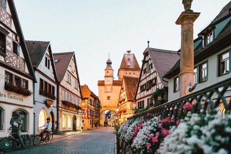 ドイツ 街並み 夕焼け